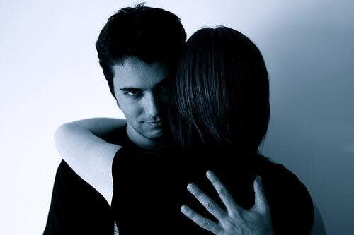 7 tehnici de manipulare ale persoanelor abuzive