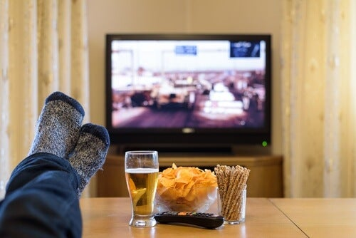 Televizorul te poate împiedica să adormi