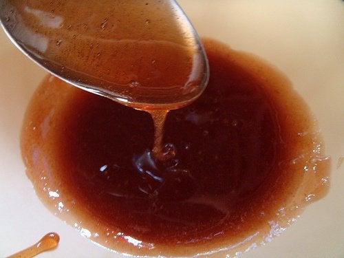 Zahărul cu zeamă de lămâie elimină părul de la subraț