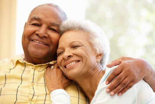 Albirea și căderea părului poate fi prevenită cu nucă de cocos