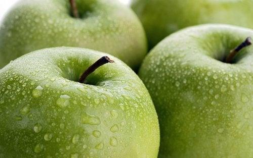 Beneficii ale merelor verzi datorate conținutului bogat de minerale