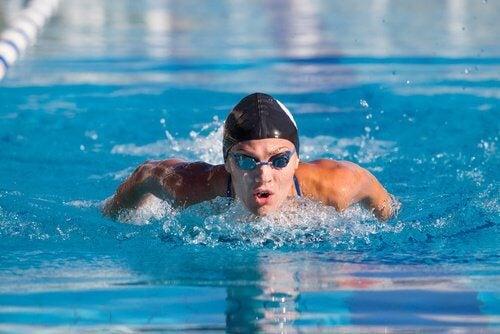 Beneficii ale înotului pentru stima de sine
