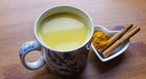 Un ceai cu scorțișoară îmbunătățește funcțiile cerebrale