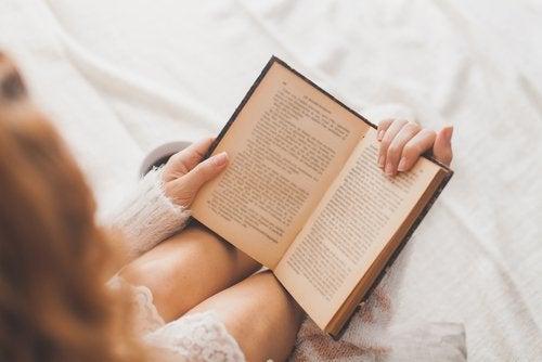 Cititul ajută la prevenirea bolii Alzheimer