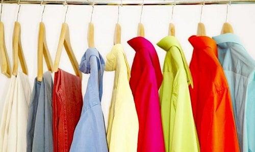 Hainele vechi pot fi modificate pentru a fi din nou la moda