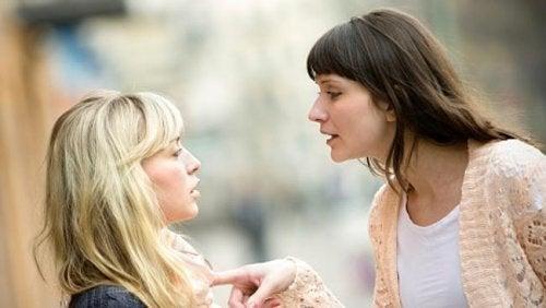 Închei o relație de prietenie când ești manipulat