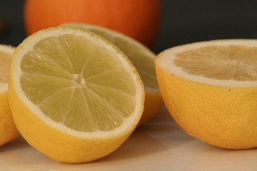Lămâile oferă numeroase beneficii pentru sănătate