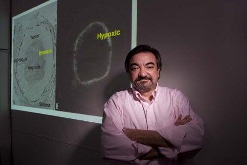 Medic ce a creat o moleculă pentru a trata cancerul