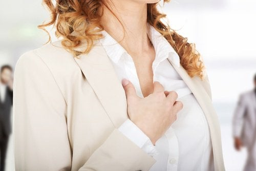 Menopauza precoce induce palpitații