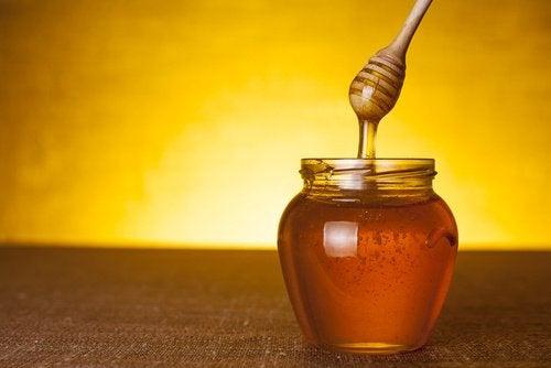 Mierea te ajută să dormi mai bine