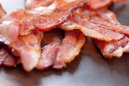 O salată sănătoasă nu trebuie să conțină bacon
