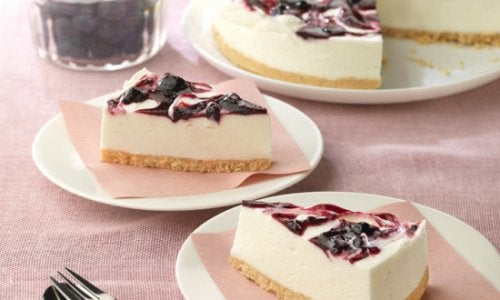 Mod de preparare pentru prăjitura cu iaurt și afine