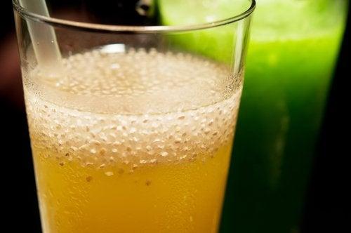 Diverse băuturi naturale te ajută să slăbești repede