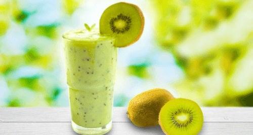 Smoothie-urile cu kiwi sunt foarte sănătoase