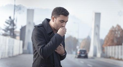 Tusea produce mucus
