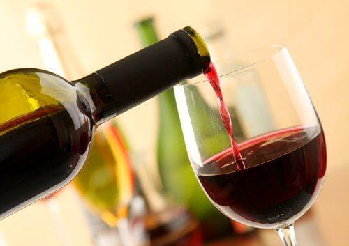Vinul roșu are multe beneficii