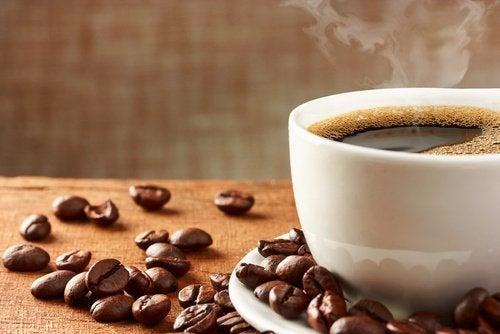 Cafeaua oferă numeroase beneficii surprinzătoare