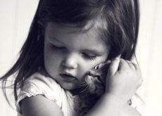 Carențele afective reprezintă o lipsă a hranei pentru suflet