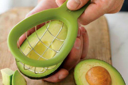 Poți să scapi de celulită și să reduci colesterolul cu avocado