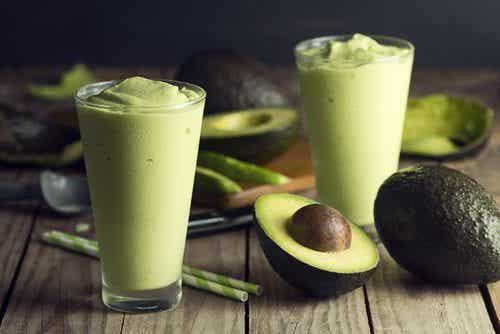 Smoothie cu avocado pentru slăbit și musculatură