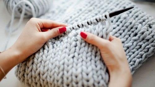 Beneficiile tricotatului - activitate terapeutică minunată