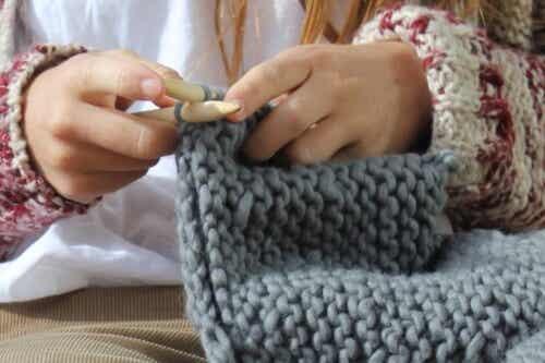 Beneficiile tricotatului – Terapia cu lână