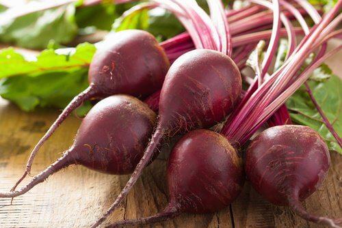 Alimente care elimină toxinele precum sfecla