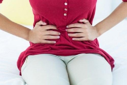 Băuturile detoxifiante combat problemele digestive
