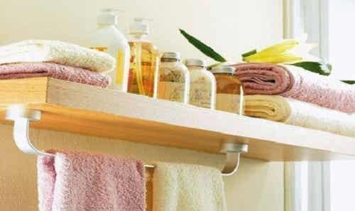 8 lucruri care nu se țin în baie niciodată