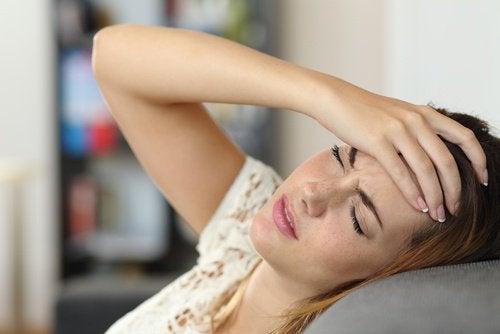 Durerile de cap matinale și poziția corpului