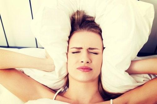 Durerile de cap matinale – cele mai frecvente cauze