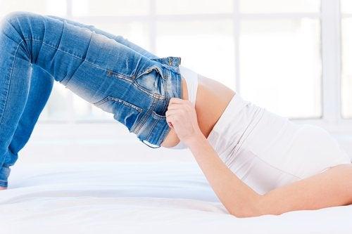 Evită hainele strâmte ca să nu ai celulită