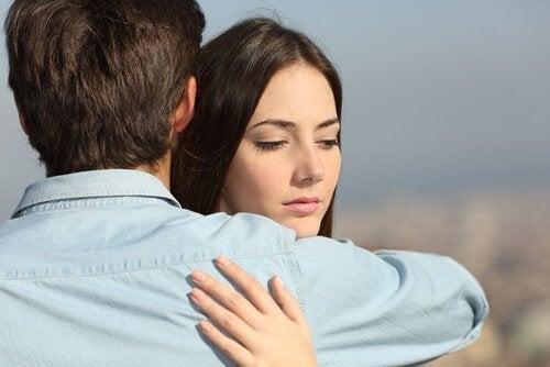 Infidelitatea partenerului tău te va face să simți multă durere