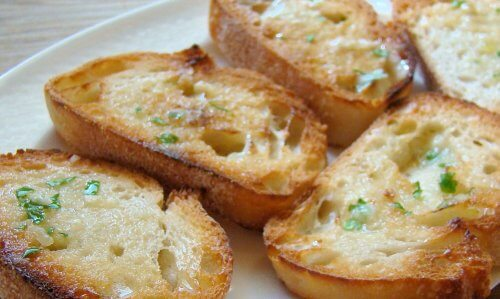 Este indicat să îți începi ziua cu o felie de pâine cu ulei de măsline