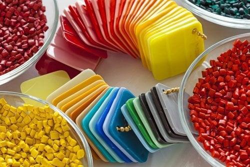 Plasticul conține toxine care îți afectează sănătatea