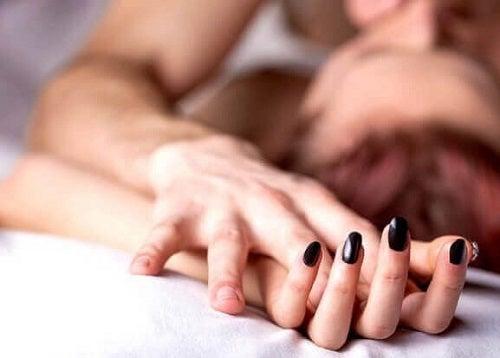 Câteodată pot surveni sângerări după ce faci sex