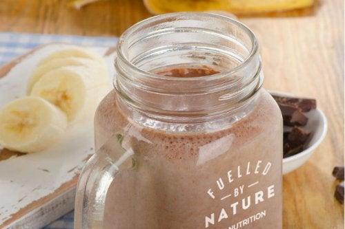 Consumă smoothie-uri bogate în magneziu