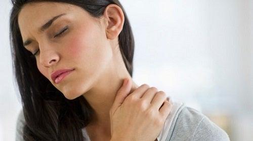 Tulburările tiroidiene pot cauza și dureri cervicale