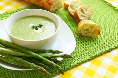Cum să arzi grăsimea cu supe de sparanghel