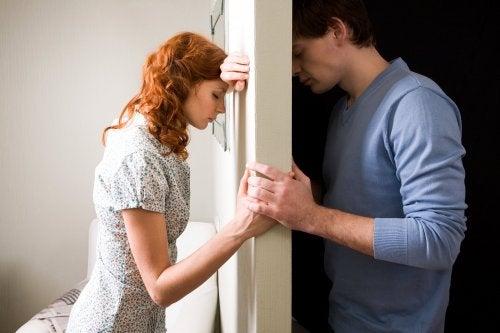 Dacă ești nefericit, o despărțire ar putea fi soluția pe care o cauți