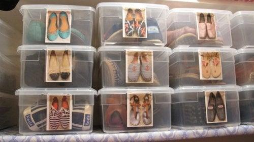 Cum să-ți aranjezi încălțămintea în cutii