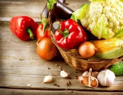 Printre altele, crește-ți aportul de alimente ecologice ca să mănânci sănătos