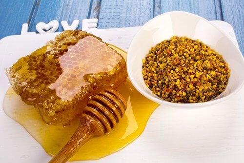 Mierea este un antibiotic natural pentru infecții