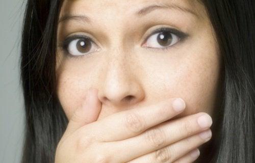Mirosul neplăcut al corpului poate fi cauzat de anumite alimente