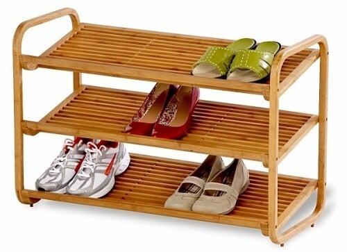 Pantofar de lemn