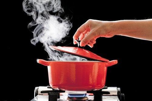 Situații ce provoacă arsuri prin opărire