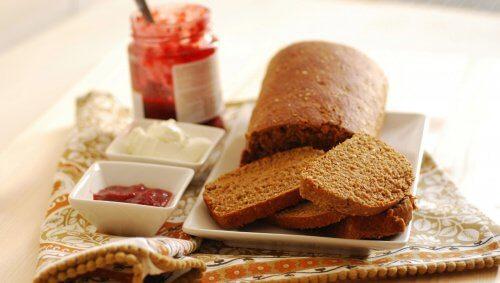 Poți să-ți subțiezi talia consumând pâine de secară