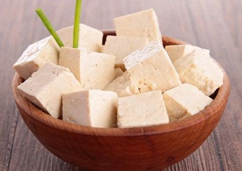 Tofu este un aliment bogat în proteine