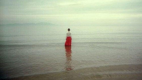 Pentru mulți dintre noi, a fi tăcut înseamnă a fi singur