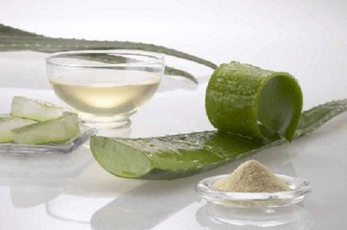 Aloe vera cu argilă ajută la întărirea părului